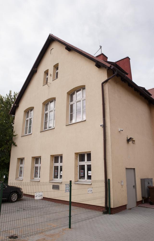 budynek dawnej szkoły katolickiej