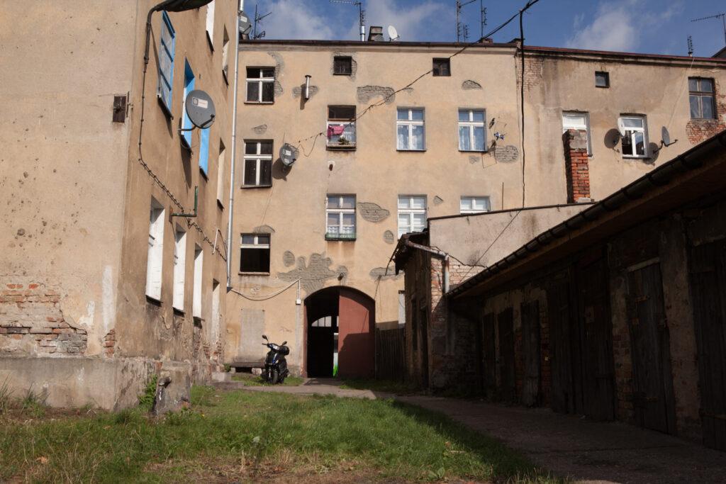 podwórko kamienicy przy ul. Smolnej 12a