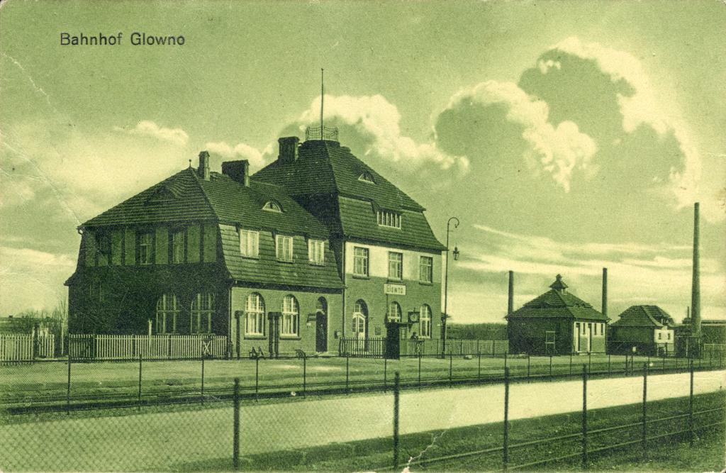 Bahnhof Glowno. Jednoobrazkowa karta pocztowa z widokiem dworca kolejowego Glowno z ok. 1911 roku. Ze zbiorów Biblioteki Uniwersyteckiej w Poznaniu